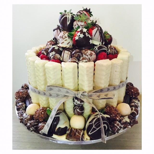 messy-cake